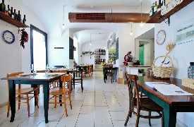 Panoramica locale Osteria Botteghe Antiche Putignano