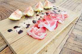 Tagliere pancetta e fichi Osteria Botteghe Antiche Putignano