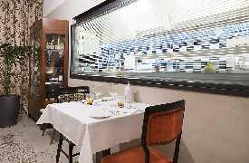 Tavolo con vista sulla cucina  Ristorante La Bull Bari