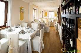 Sala da pranzo Ristorante Grotta Ardito Polignano a Mare