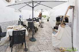 Tavoli all aperto Gaonas Officine del Gusto Martina Franca foto 6