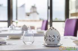 Particolare tavolo Ristorante White Borgobianco Resort & Spa Polignano a Mare foto 1