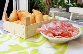 Gnocco fritto con salumi Ristorante Le Crescentine di Novella Riccione
