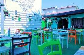 Sedie multicolor Ristorante Pizzeria L'Anfora Cattolina