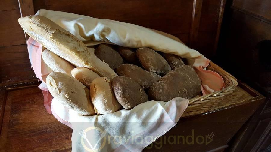 Pane home made Ristorante Isola Belgatto Fano