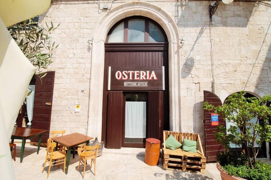 Facciata locale Osteria Botteghe Antiche Putignano
