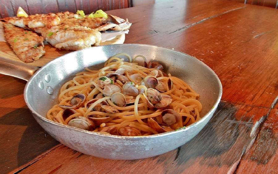 Spaghetti alle vongole Ristorante Trattoria Del Porto da Eugenio Cattolica