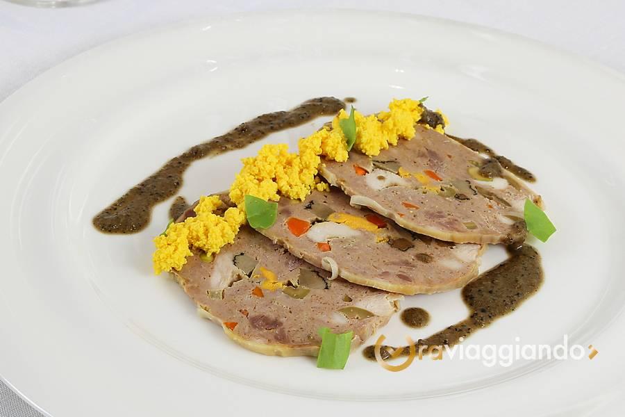 Due Cigni il ristorante Montecosaro foto 5