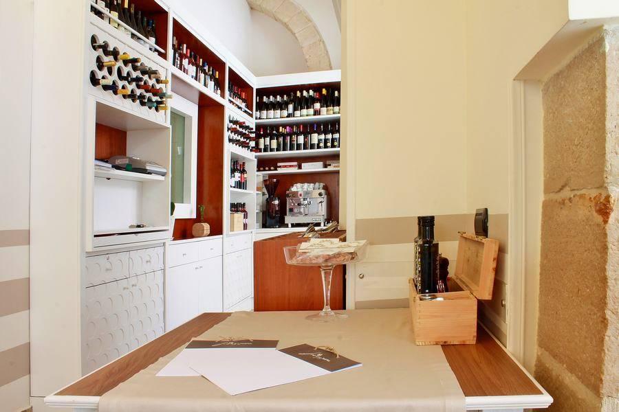 Cantina dei vini Osteria Frangipane Trani