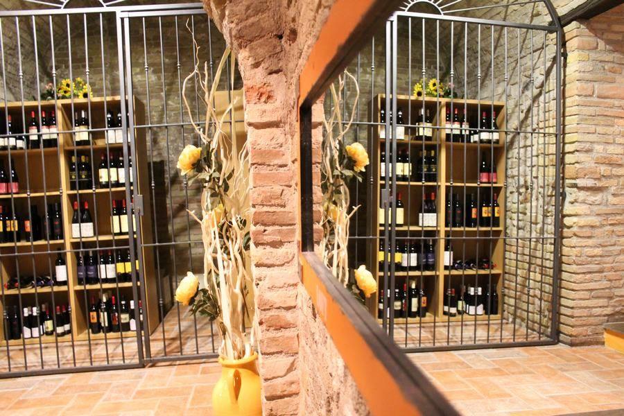 Cantina dei vini Ristorante Taverna del Ghiottone Fano