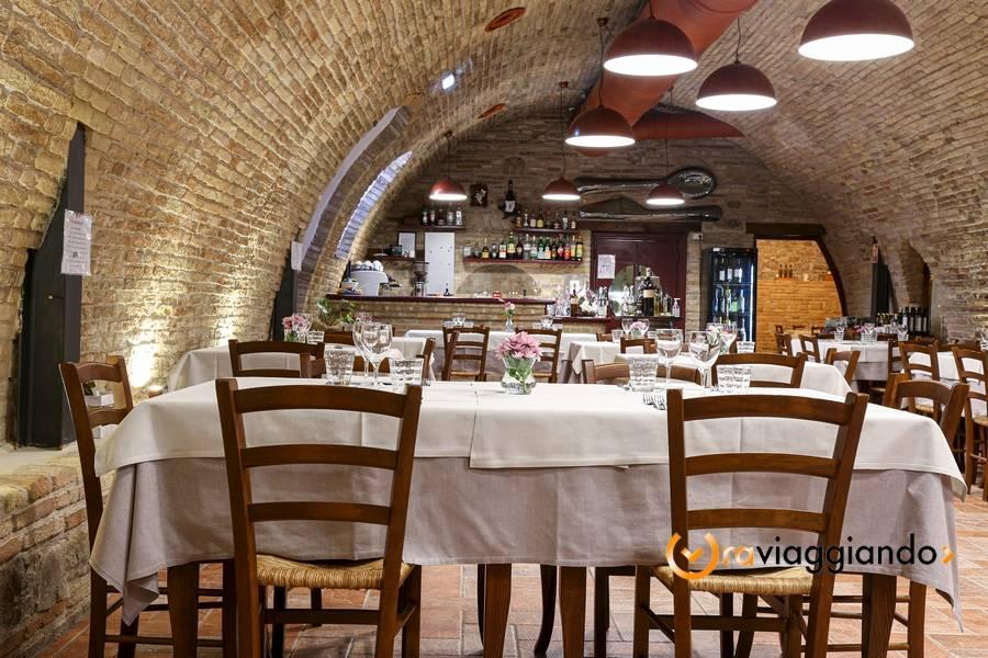 Taverna del Ghiottone Fano foto 3