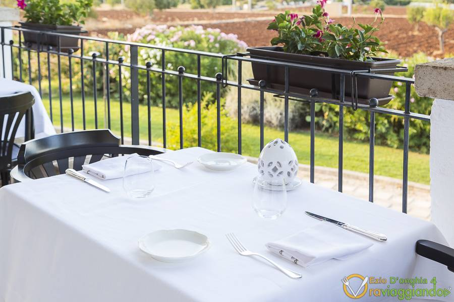 Tavoli esterno Ristorante White Borgobianco Resort & Spa Polignano a Mare foto 3