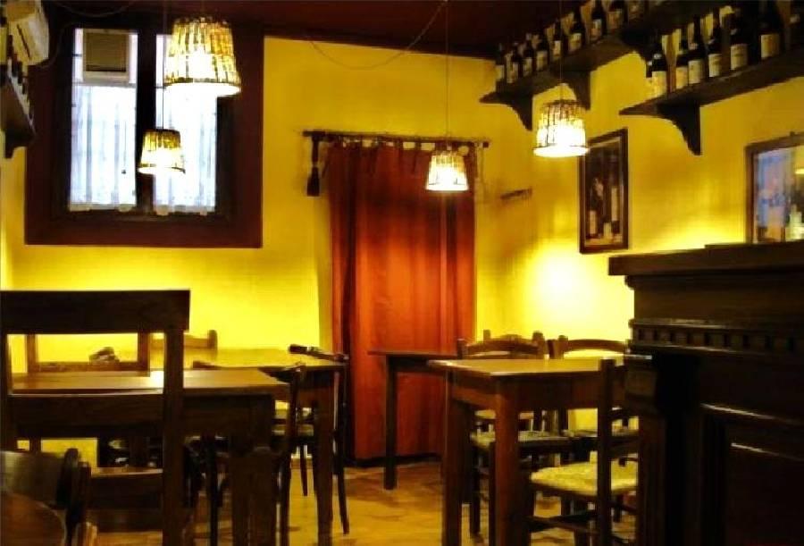 Foto principale Settetavoli bottiglieria con cucina