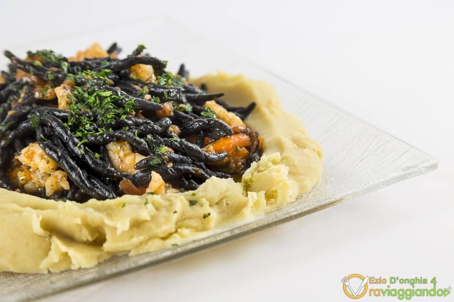 Strozzapreti al nero di seppia con pesce Ristorante L'Olmo Bello Alberobello Bari
