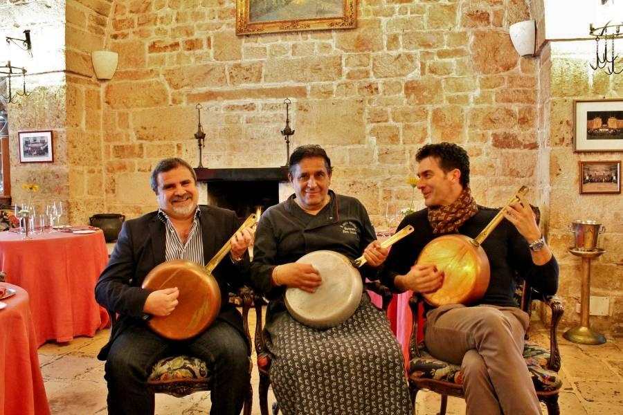 Padelle di musica Ristorante Il Poeta Contadino Alberobello Bari