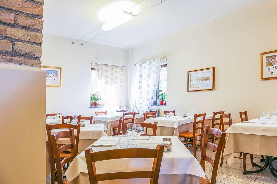 Saletta privata ristorante La Lanterna Loreto foto 2