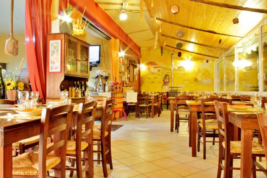 Sala da pranzo Osteria Pappa e Ciccia Rimini